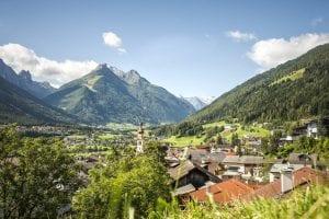 Bergwandelen met vaste standplaats in de Alpen
